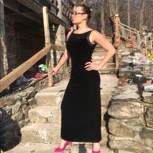 Black velvet full length Jessica Howard formal 8